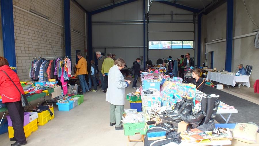 Verkaufsstände, Dorfflohmarkt 2015