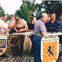 1995_02_Wappen einhängen